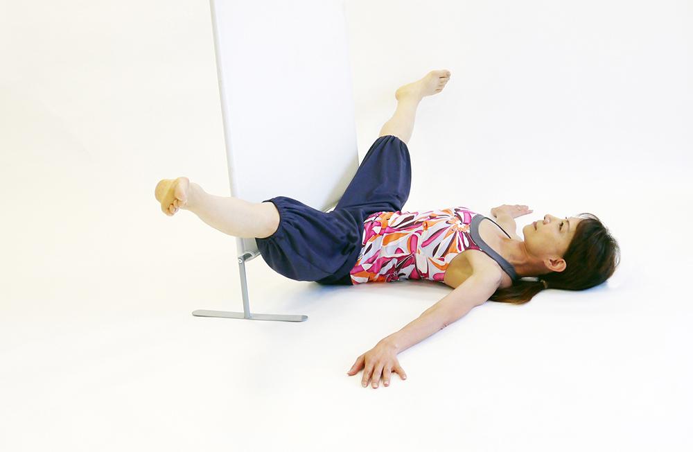 股関節の開脚運動2