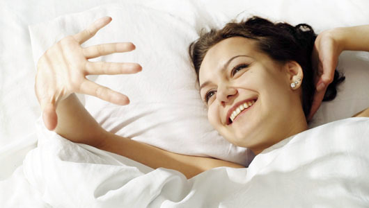 目覚めの良い女性
