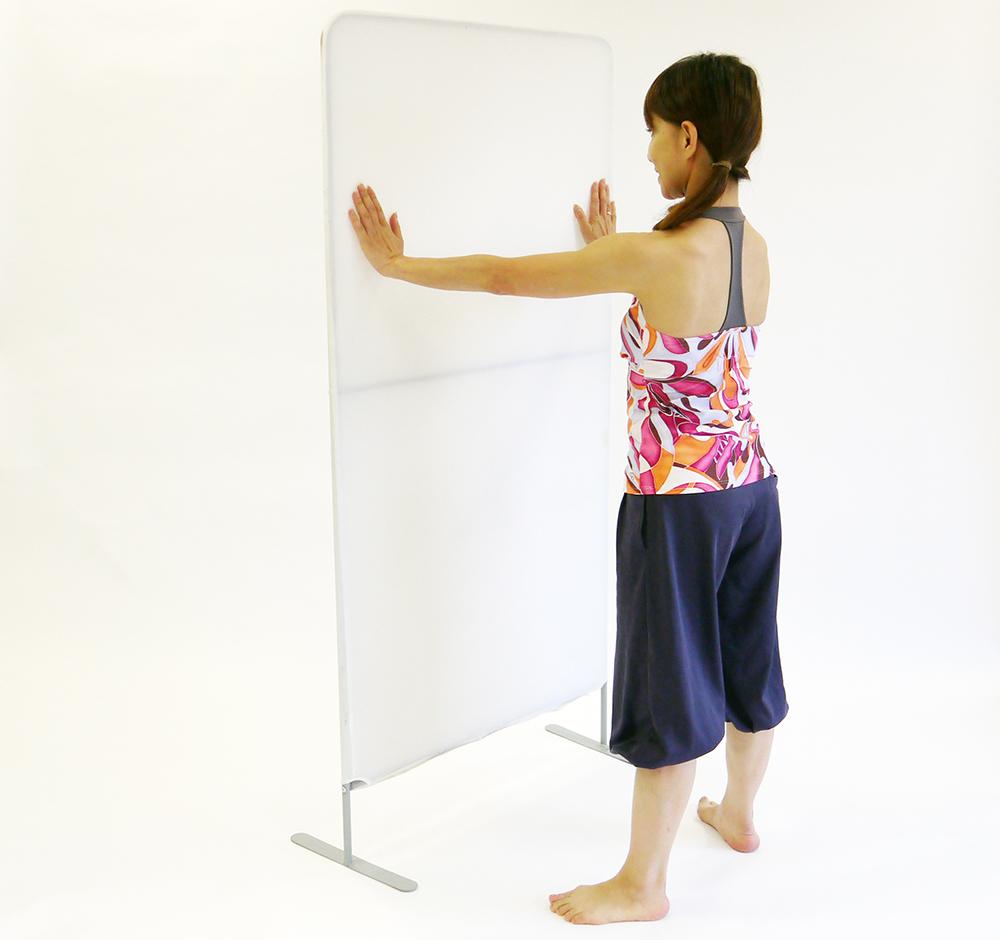 股関節の開脚運動1