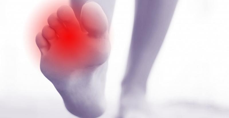 足の指のつり修正