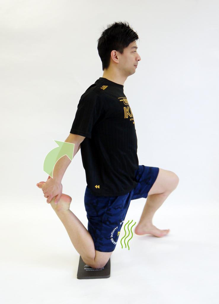 大腿四頭筋のストレッチ1