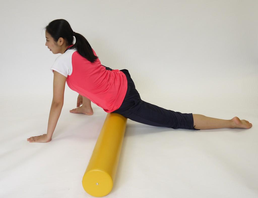 ストレッチポールを使用した腸腰筋ストレッチ