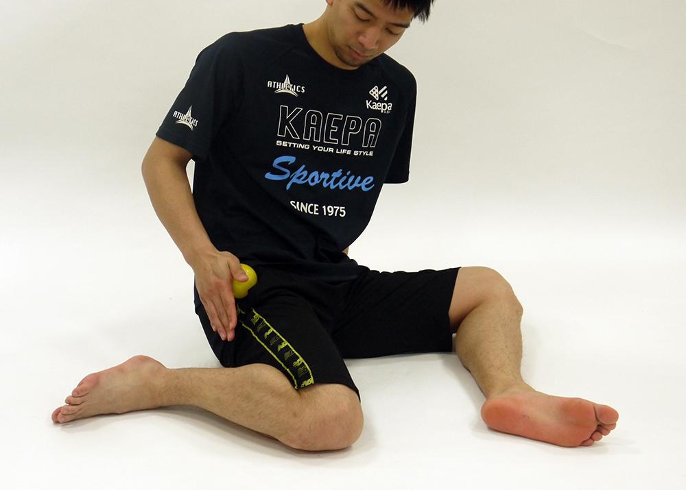 大腿筋膜張筋のマッサージ