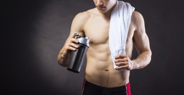 protein-shaker-man